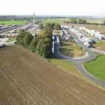 Völlig zugeparkter und überbelegter Rastplatz an der deutsch/belgischen Grenze