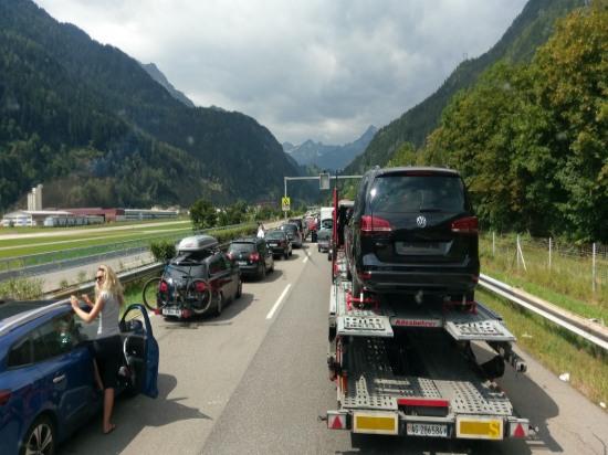 Stau am Gotthard