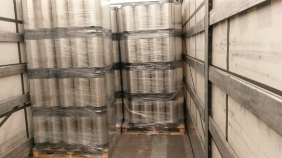 Ladung Bier Fässer