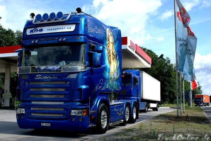Scania Longline am Rasthof Berfa