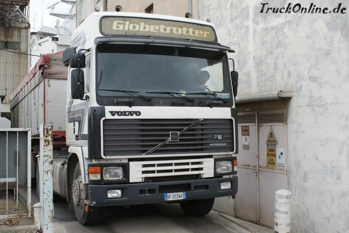 Volvo F16 in Cagliari auf sardinien